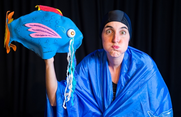 הדג שלא רצה לשחות, הצגת תיאטרון סיפור, הצגה לילדים בירושלים, תיאטרון הקרון