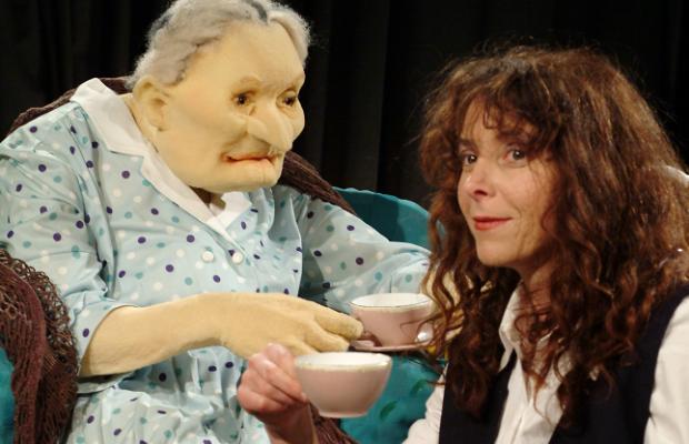 סבתא סורגת סיפורים, הצגת ילדים תיאטרון בובות בתיאטרון הקרון בירושלים