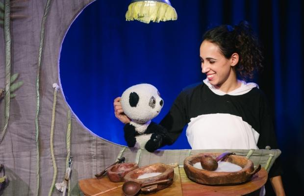על שלוש פנדות וזהבה אחת, הצגת ילדים תיאטרון בובות, תיאטרון הקרון בירושלים